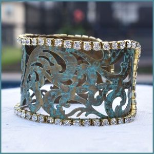 Jewelry - ✔️Patina and gold tone cuff bracelet